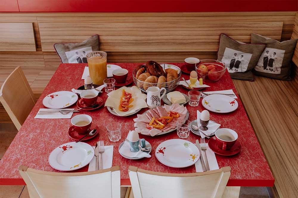 Frühstück Jugendherberge Sonnegg